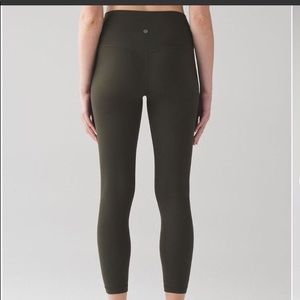 Looking for these leggings!!
